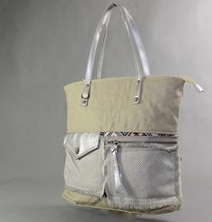 Stylishe Handtasche aua Stoff.