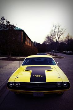 1971 Dodge Challenger.
