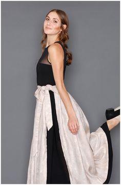 Schwarzes Kleid mit einer Rock Dirndl-Kombination von pratofiore