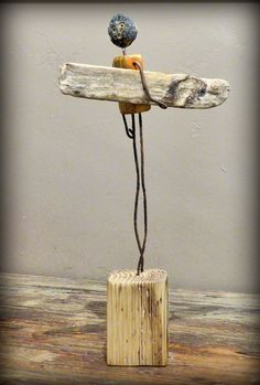 surf art by Mutoz inc - Jungs bssteln - Driftwood Sculpture, Driftwood Art, Sculpture Art, Sculptures, Articles En Bois, Driftwood Projects, Junk Art, Wood Creations, Beach Crafts