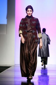Tenun NTT by Stephanus Hamy, Jakarta Islamic Fashion Week 2013
