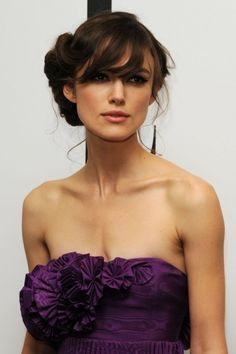 Find images and videos about hair, purple and keira knightley on We Heart It - the app to get lost in what you love. Keira Knightley, Keira Christina Knightley, Elizabeth Swann, Actrices Hollywood, Bridesmaid Hair, Bridesmaids, Mode Style, Her Hair, Wavy Hair