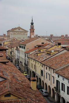 #Cittadella  (Padova) vista del centro dalle mura medioevali Italy