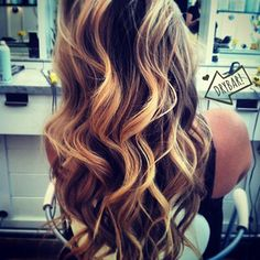 #StudioCity stylist Ilanah rocked out this #CosmoTai!