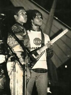 Young Stephen and Ziggy Marley. Marley Brothers, Stephen Marley, Reggae Bob Marley, Bob Marley Pictures, Marley Family, Marley And Me, Robert Nesta, Nesta Marley, The Wailers