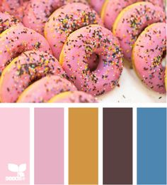 Color Splurge - http://design-seeds.com/index.php/home/entry/color-splurge