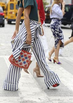 """Paired with a funky bag and killer heels, these striped pants look fashion forward and don't fall into the """"nautical""""theme. Estilo Fashion, Fashion Moda, Fashion Week, Look Fashion, Street Fashion, Womens Fashion, Net Fashion, Ibiza Fashion, Street Style Chic"""