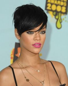 Rhianna. When will you realize you need to go w short hair again?