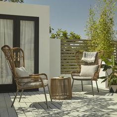 120 Most Popular Small Patio Furniture Ideas 40 ~ Top Home Design Small Patio Furniture, Pallet Garden Furniture, Outdoor Furniture Design, Recycled Furniture, Furniture Ideas, Furniture Inspiration, Soho House, Outdoor Chairs, Outdoor Decor