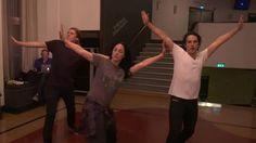 Vi følger Ylvis i 24 timer. Her er gutta på dansetrening i forkant av showet i morgen.