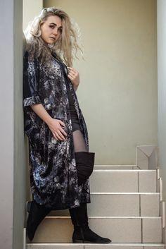 Velvet Kimono – fashionnavela Drip Dry, One Size Fits All, Kimono Top, That Look, Velvet, Skirts, Coats, Autumn, Collection