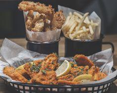 #TheCraftyPig #Glasgow #GlasgowRestaurant #GlasgowBar #ChickenWings #Fries #FriedPickles #Americana