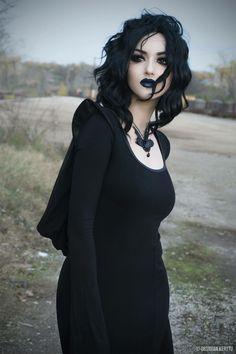 Goth girl spreading