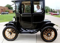 Alan Joseph takes the 1912 Baker Electric out for a spin. The car was  built in Cleveland and can go up to 15-17 mph and for about 30 miles.