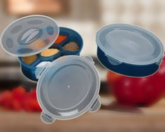 Do you hate having store your masalas in worn out old plastic containers? Can you find exactly what you need without first having to open every steel spice container to see what's in it?  Be smart and and treat yourself and your kitchen to this very practical spice container with 7 compartments.