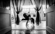 Handstand and Handbalance at Momentum Pole & Aerial in Gloucester, UK. Photo by Kitson Photography. Handstand Progression, Gloucester, Mirror, Photography, Photograph, Mirrors, Fotografie, Photoshoot, Fotografia