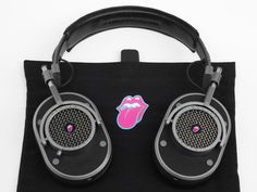 Rolling Stones selects superfans to receive custom Master & Dynamic headphones     - CNET  Master & Dynamic made 1962 pairs of these custom MH40 headphones for The Rolling Stones to celebrate the year it formed. Master & Dynamic The New York-based headphone house Master & Dynamic is no stranger to collaboration. In the past the teams beautifully-crafted MH40 over-ears have been a canvas for designers like Proenza Schouler and Poggy but today the brand is launching its most satisfying…