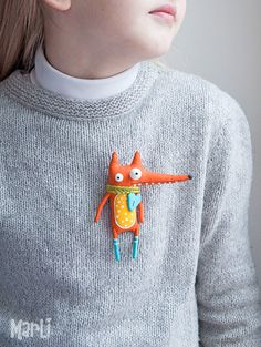 dolls This little fox can be Your best friendIt loves fun, adventure, good music,sunny weather and already loves You Fabric Brooch, Felt Brooch, Felt Crafts, Fabric Crafts, Kids Crafts, Fabric Toys, Textile Jewelry, Sewing Toys, Felt Toys