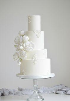 White Rose Bouquet - Icing on the cake - Luxury Wedding Cake, Floral Wedding Cakes, Fall Wedding Cakes, White Wedding Cakes, Elegant Wedding Cakes, Beautiful Wedding Cakes, Wedding Cake Designs, Wedding Cake Toppers, Boho Wedding
