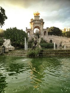 Come for a stroll, a picnic, a visit to the zoo or to inspect Catalonia's regional parliament, but don't miss a visit to this, the most central green lung in the city. Parc de la Ciutadella is perfect for winding down.