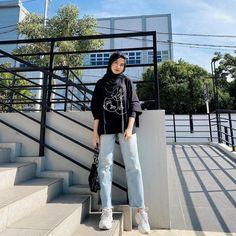 Modern Hijab Fashion, Street Hijab Fashion, Hijab Fashion Inspiration, Korean Girl Fashion, Muslim Fashion, Mode Inspiration, Fashion Outfits, Stylish Hijab, Casual Hijab Outfit