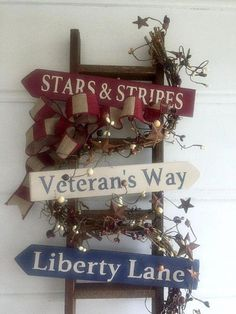 Country Home Americana. Veteran's Way, Stars and Stripes, Liberty Lane. Great gift for Hostess of July Celebration! Source by christinesimont Patriotic Wreath, Patriotic Crafts, July Crafts, Summer Crafts, Holiday Crafts, Holiday Decor, 4th Of July Party, Fourth Of July, Americana Crafts