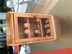 Egg storage egg rack