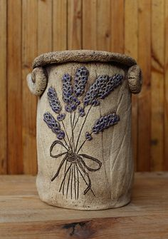 M fler cz zbozi Ceramic Shoes, Ceramic Clay, Ceramic Vase, Pottery Pots, Slab Pottery, Ceramic Pottery, Clay Art Projects, Clay Crafts, Pottery Painting Designs