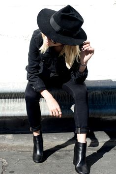 Style Guide: How to Wear a Fedora Hat - Ropa - Mode Style Noir, Mode Style, Style Me, Black Style, Girl Style, Elegantes Outfit Frau, Mode Ootd, Estilo Hippie, Look Fashion