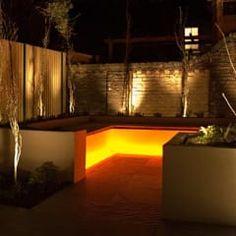 klassischer Garten von Akasha espacios iluminados