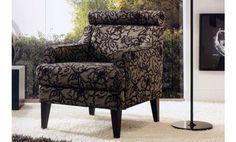Le ofrecemos este sillón de diseño clásico con un original tapizado de tela en color gris con flores. Un sillón elegante que podrá disfrutar en cualquier rincón del hogar y que ofrece la comodidad que usted necesita ya que incorpora espuma BIOGREEN en su asiento, esto hace que el asiento sea adaptable y le ofrece un confort superior.