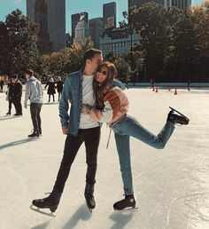 Ice skating in Central Park, with my love and my REVOLVE fam. We had so much fun! Cute Relationship Goals, Cute Relationships, Couple Relationship, Couple Blond, Central Park, Eislauf Outfits, Ice Skating Pictures, Cool Winter, Negin Mirsalehi