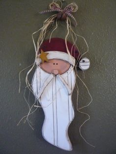 Primitive Santa head door hanger