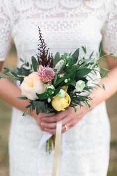 Photo: Elisabeth Carol Photography Florals: Oh Deery Floral Venue: Milagro Farms