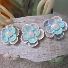 Set of 3 Seashell Flower Magnets in Pearl color for $11.99!! More at jebeachgoods.etsy.com