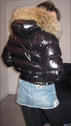Down Puffer Coat, Down Parka, Black Raincoat, Down Suit, Puffy Jacket, Padded Jacket, Fur Collars, Moncler, Bellisima