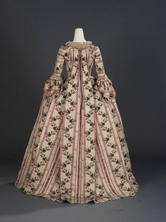 Fripperies and Fobs Robe à la française, 1770's  From the Royal Ontario Museum on Twitter