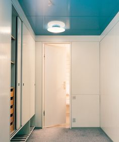 A tribute to Arne Jacobsen's SAS House masterpiece and his vision Arne Jacobsen, Painting Wood Paneling, Paneling Painted, Bedroom Closet Design, Build A Closet, Wardrobe Closet, Colorful Interiors, Interior Design, Interior Colors