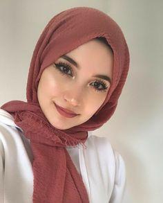 Hijab Style Dress, Modest Fashion Hijab, Modern Hijab Fashion, Muslim Fashion, Hijabi Girl, Girl Hijab, Chiffon Hijab, Beautiful Hijab, Beautiful Outfits