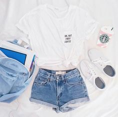 Yes or no ? Credit Priscilla C - Summer Outfits Cute Lazy Outfits, Summer Outfits For Teens, Teenage Girl Outfits, Cute Outfits For School, Teen Fashion Outfits, Teenager Outfits, Pretty Outfits, Stylish Outfits, Swag Outfits