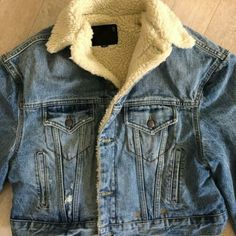 Boxy Jacket Shearling Lined Denim S Jeans Coat Blue Cropped Distressed NWT Ck Jeans, Love Jeans, Denim Jeans, Denim Jacket Fashion, Denim Jacket Men, Popular Mens Jeans, Mens Essentials, Calvin Klein Jeans, Jean Jackets