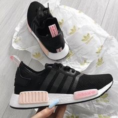 wholesale dealer 9ce7d 2badb Image de shoes and adidas Chloe Shoes, On Shoes, Shoes Sneakers, Sneakers  Fashion