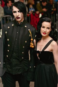 This is Marilyn Manson ! - undiscloseddesires-kc:   They are so hot together.