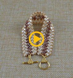 Beaded Herringbone Bracelet in Gold and Cream Half Tila Bead - Joias / Jewelry Gold Jewelry, Jewelry Bracelets, Beading Tutorials, Handmade Bracelets, Herringbone, Jewerly, Crochet Earrings, Shabby Chic, Creations