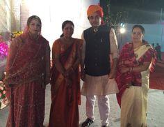 Rajeev vora with wife Deepali vora and relatives #vora #govindlalvora #journalist #socialist #politician #educationist #raipur #chhattisgarh Politicians, Fashion, Moda, Fashion Styles, Fashion Illustrations