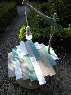 Table apéritif de jardin éclairée réalisée avec un touret. Réalisation Ma Bulle Déco.