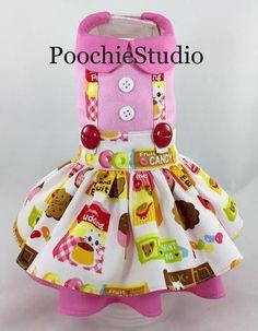 He encontrado este interesante anuncio de Etsy en https://www.etsy.com/es/listing/534313919/nuevo-perro-vestido-de-verano-dulces-y