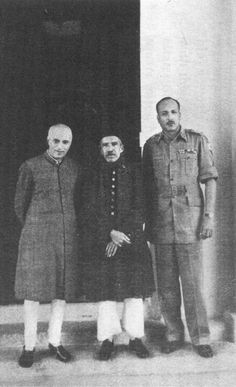 Prime Minister Jawaharlal Nehru and Major General Muchu Chaudhury flank the Nizam of Hyderabad, Mir Osman Ali Khan after he signed the accession to India in September 1948.