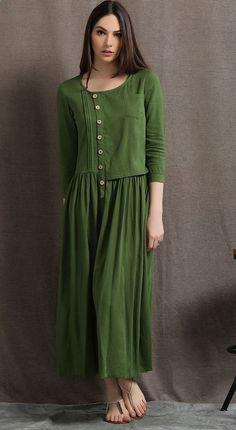 Cette robe en lin verte mousse est une belle base d'été qui peut être porté de jour comme de nuit. Associez-le avec déclaration bijoux et chaussures simples pour un look élégant et facile à l'usure. Cette robe occasionnelle suinte beaucoup de détails magnifiques. Le style semi-ajusté de cette robe en lin le rend parfait si vous êtes une grande taille ou Dame bien roulée. Il vous donnera une silhouette magnifique et toute l'attention sera sur la couleur, le pintuck détails et le corsage...