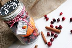Create this adorable, last minute mason jar potpourri gift in minutes!